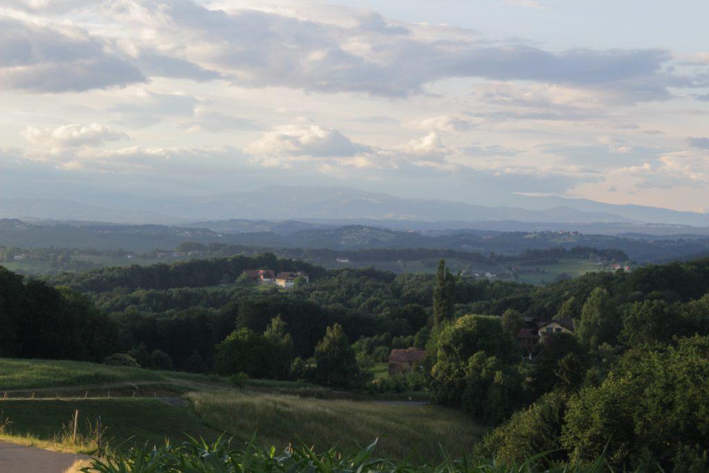 Urlaub am Bauernhof in der Steiermark - Blick ins steirische Vulkanland